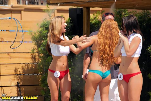 Конкурс бикини завершился групповухой