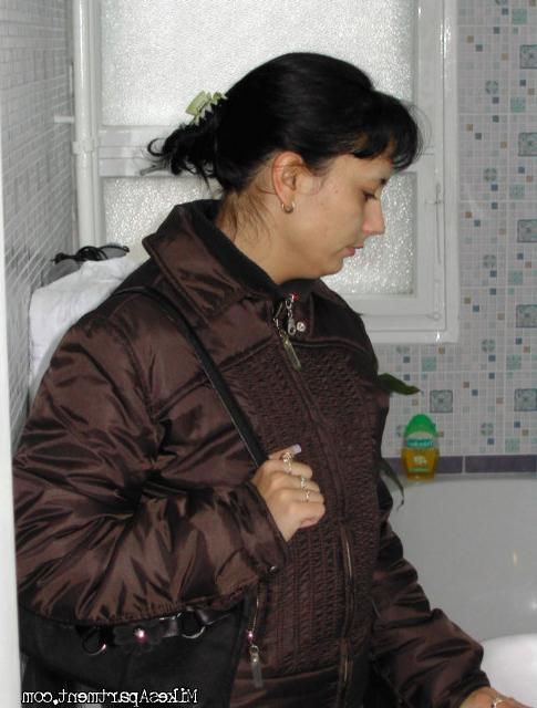 Жанна отдает недорого свои дырки