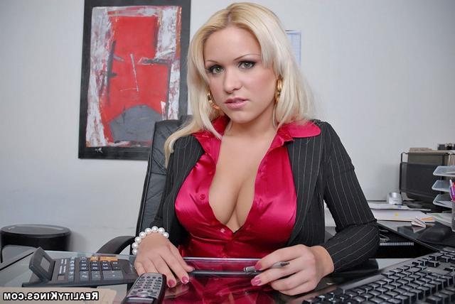 Молодая Начальница Со Старым Подчиненным Порно И Секс Фото С Девушками В Колготках
