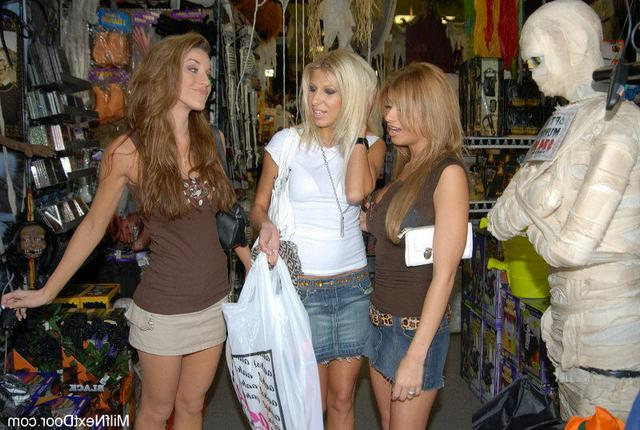 Девчата решили быть лесбиянками