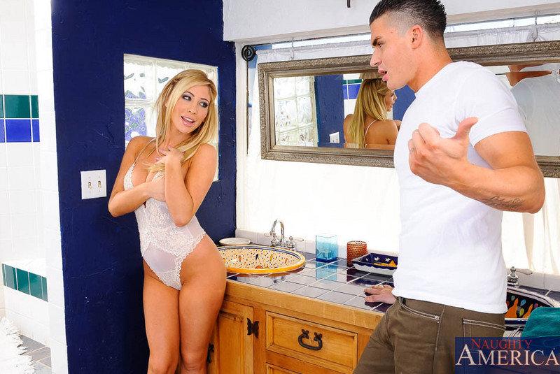 Тип поимел стройную блондинку в ее сладкую киску