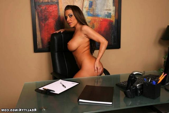 Грудастая секретарша смотреть эротику