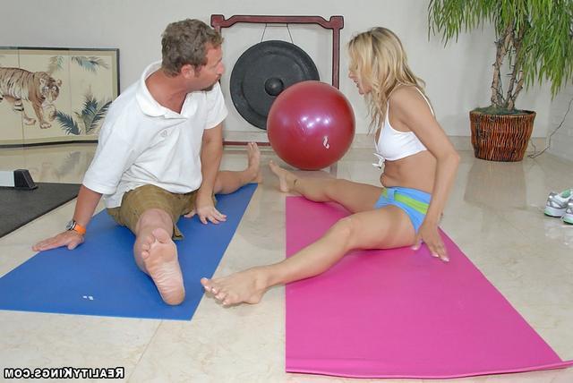 Йога с мамкой