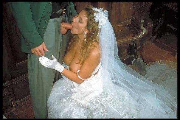 Красавец полирует язычком пизду своей потаскухе секс фото