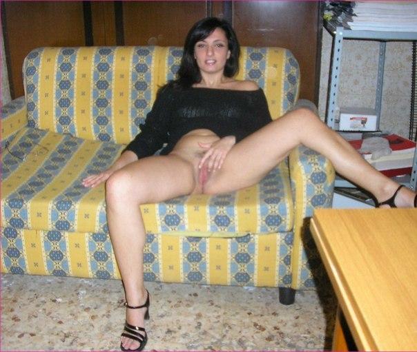 Эротичные девушки не против сфотографировать свои похотливые тела
