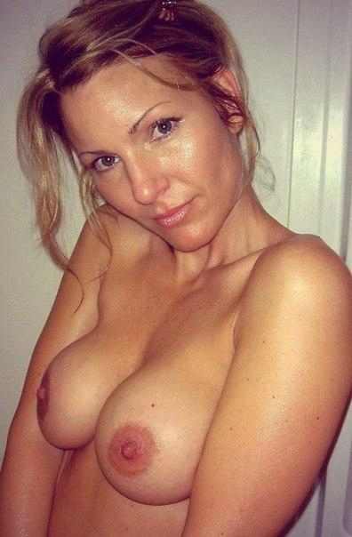 Мамаши в возрасте надевают эротическое белье для секса