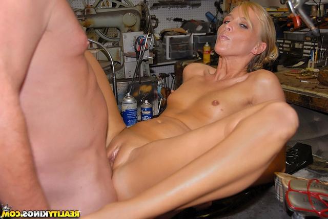 В мастерской супруга