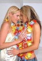 Пьяный лесбийский опыт 15 фотография