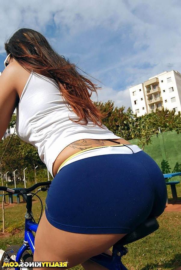 Покаталась На Велике, Покатайся На Члене Порно И Секс Фото Со Спортивными