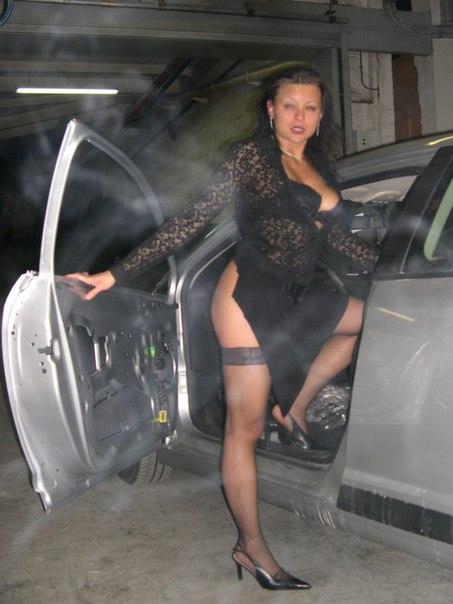 Приехала починить машину мужа, а получила за щеку