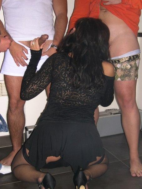 Блядь удовлетворяет парнишкой из автосервиса смотреть эротику