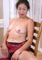 Азиатка голая старая