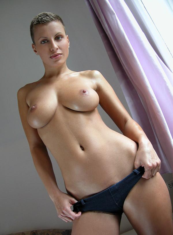 Большие сиськи и короткая стрижка порно онлайн порноактриса