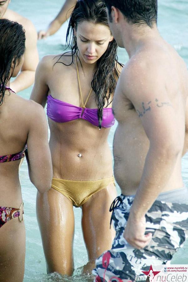Джессика альба голая в бикини