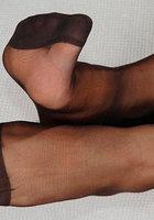 Женские ножки в колготках очень красиво смотрятся 8 фотография