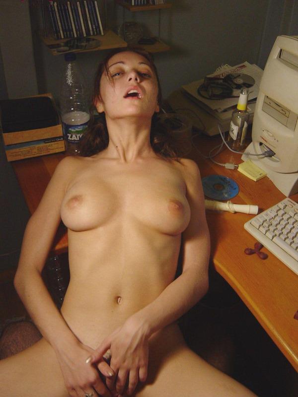 Кудрявая Молодая Стройняшка Любит Анал Порно И Секс Фото С Молоденькими