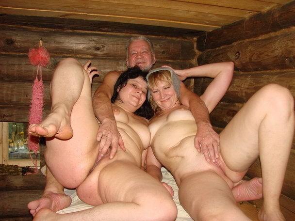 Зрелые в бане фото