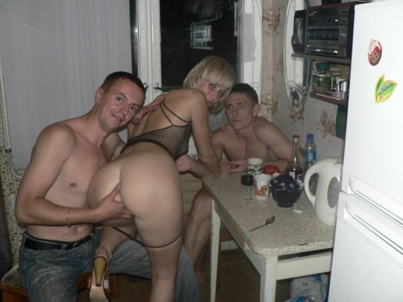 Пьяные девки отдались не трезвым паренькам
