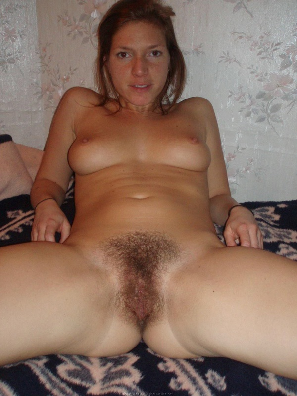Мамочка с мохнатой киской поеблась