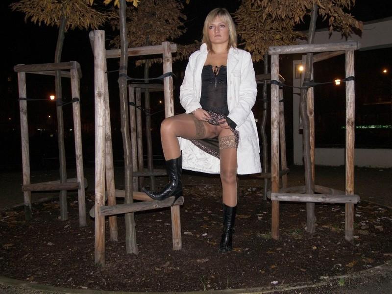 Частные интим фото пошлой зрелой блондинки