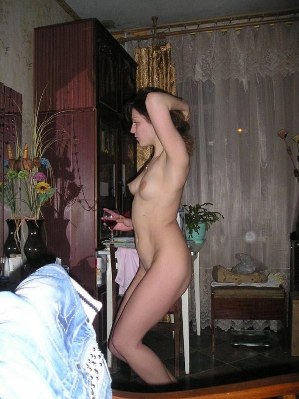 Домашнее порно с молодой похотливой няшкой
