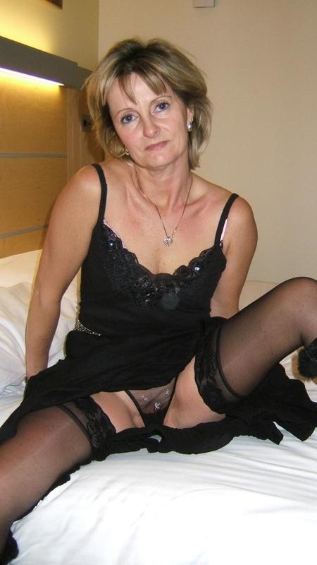 Развратная бабуля любит секс и минет