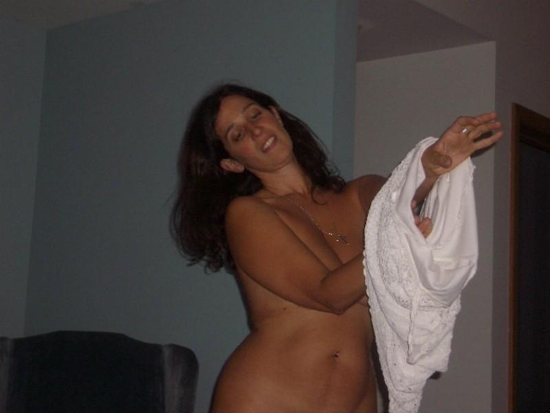 Глория ебется и фоткается без нижнего белья и белья смотреть эротику