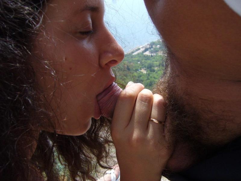Горячий отпуск обнаженной любительницы анальной ебли