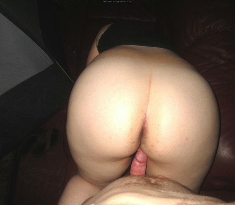 Ебёт пышную даму которая еще спала секс фото