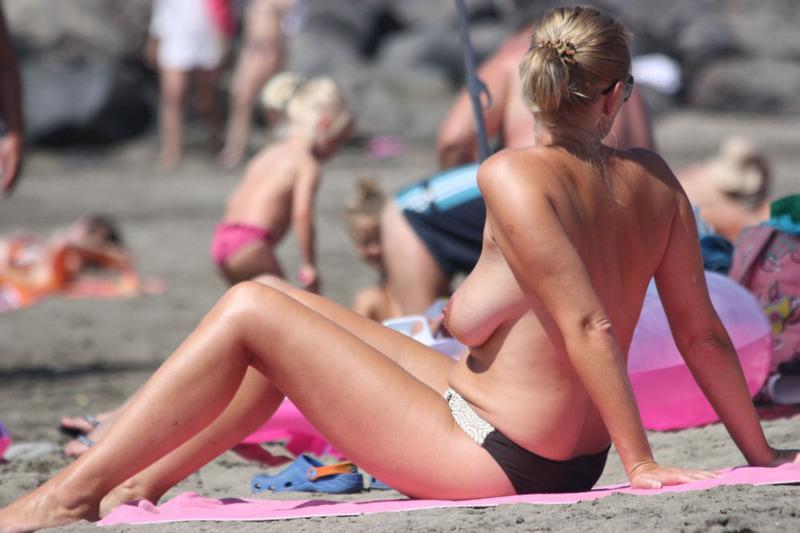 Итог прогулки по нудистскому пляжу в разгар сезона