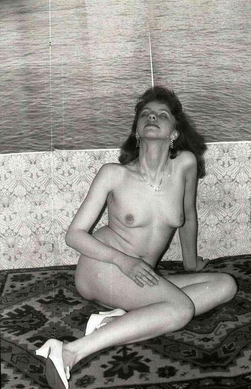 Черно-Белая Ретроспектива Показывает Всю Красотку Голых Дам Порно И Секс Фото С Молоденькими