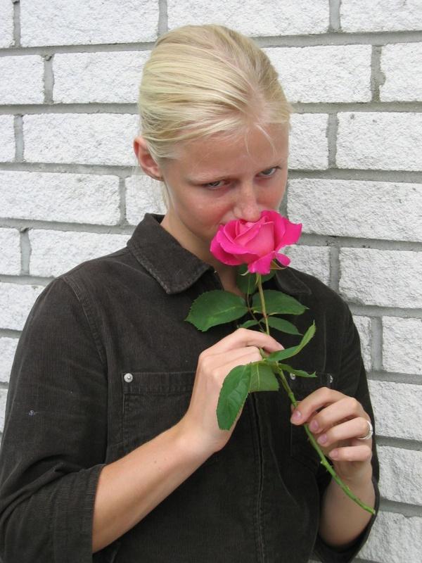 Игривая блондинка заночевала у себя в квартире у своего хахоля секс фото