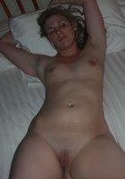 Частные фото голая жена на кровати