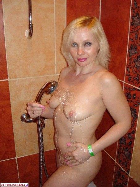 Откровенные искусницы снимаются без нижнего белья секс фото