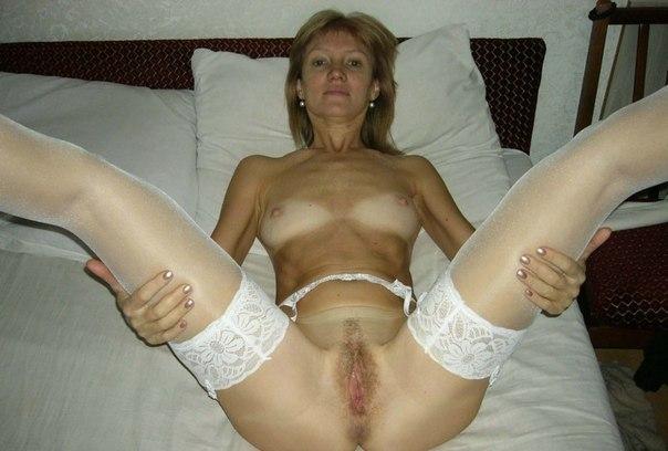 Порно фото обнаженных прошмандовок с сочными дырками