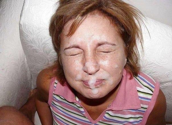 Много спермы на лице и в дырочках оттраханых потаскушек