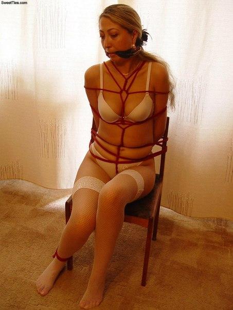 Связанные тёлки смотрятся очень возбуждающе смотреть эротику