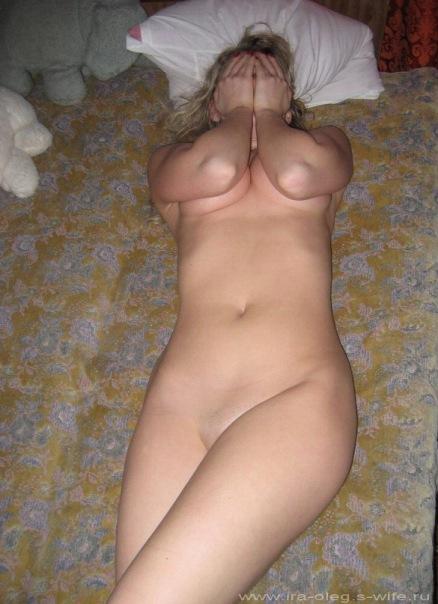 Милые голые жены родом из одного города