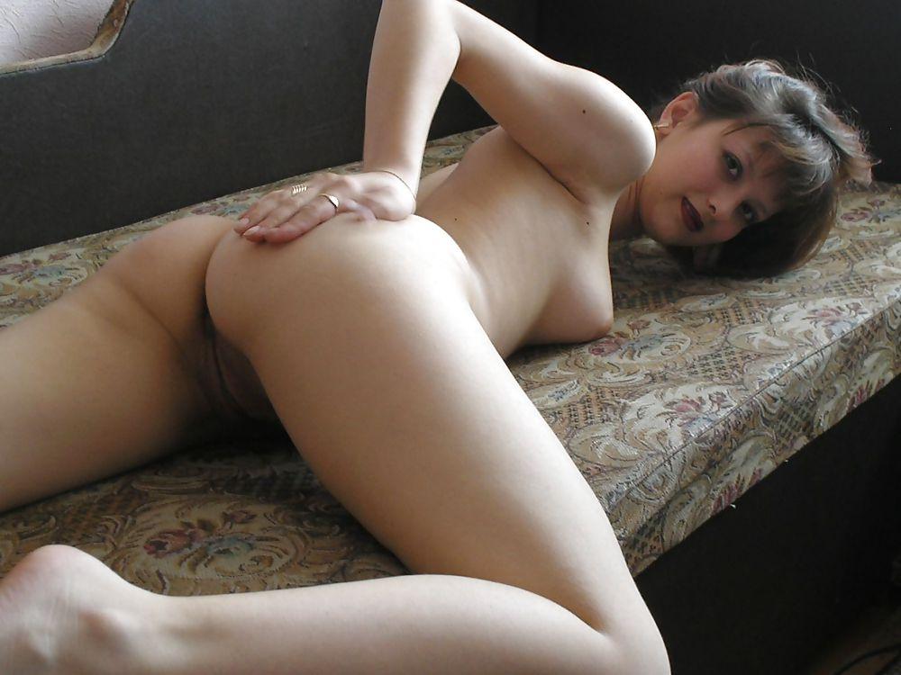 Молодая девушка с толстым членов по попке плюс бонусня