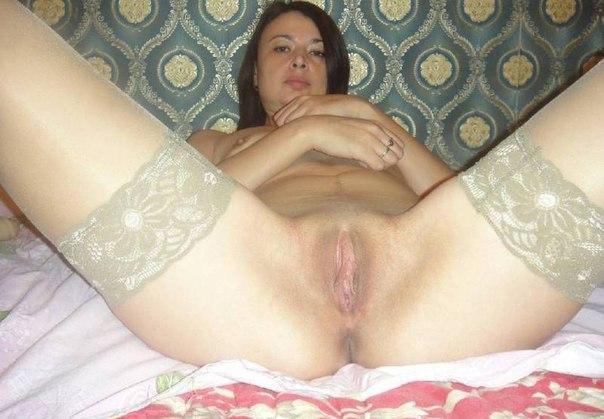 Сексуальные голые красавицы демонстрируют письки