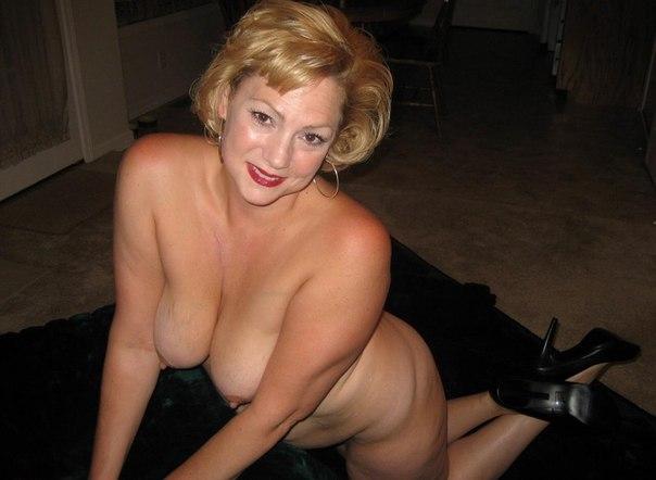 Раздетые мамочки с громадными задницами и огромными сиськами