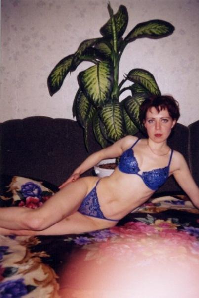 Мамаши 90-х любят стоять в одних лишь носках