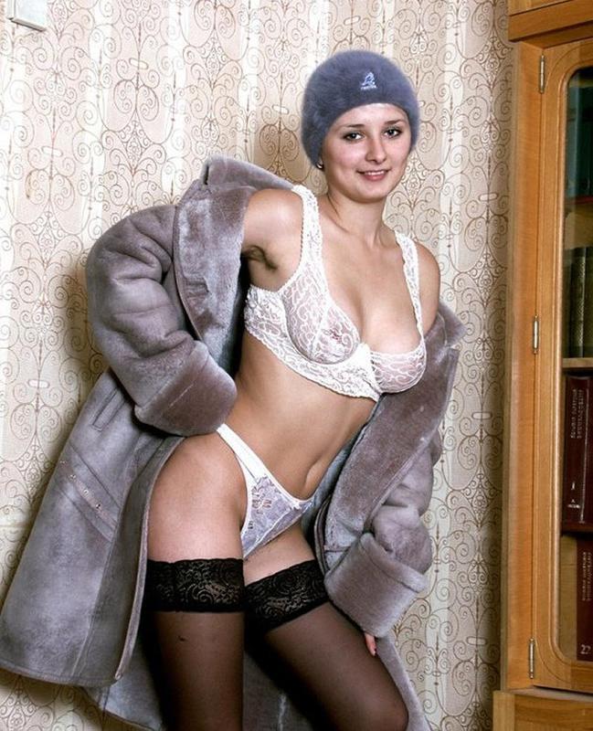 Проститутка сняла трусы в коридоре вернувшись с мороза