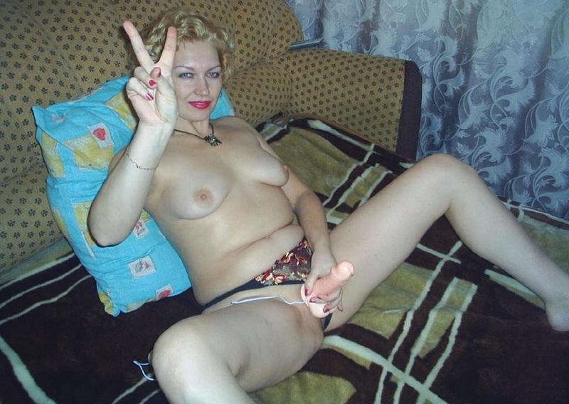 Сорока пяти летняя фрау не против оголить тело в домашних условиях секс фото