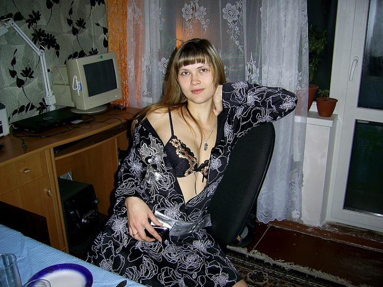 Прелестница скоро придет домой и начнет трахать себя во влагалище и задницу секс фото