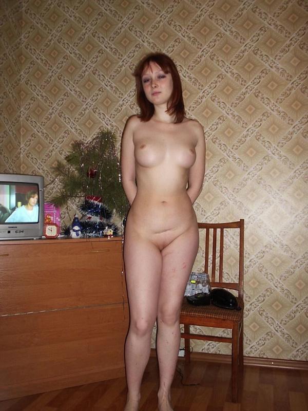 Рыженькая 19-летняя проститутка заработала сперму на красивые буфера