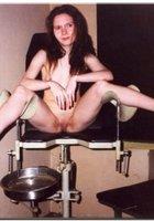Молоденькая вертихвостка пришла на прием к гинекологу 12 фотография
