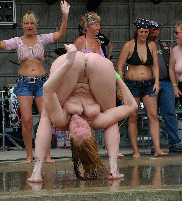 Порно конкурс голых девушек, девушка с шикарной попкой ебется онлайн