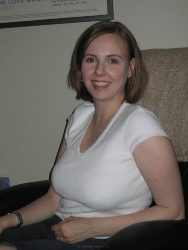 Мария не против снять бельё даже во время беременности