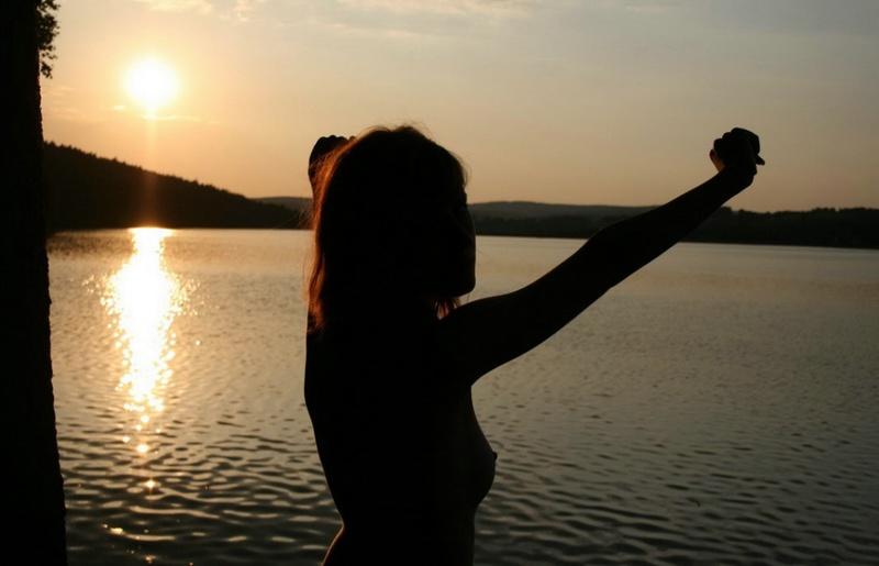 берегу озера смотреть бесплатно